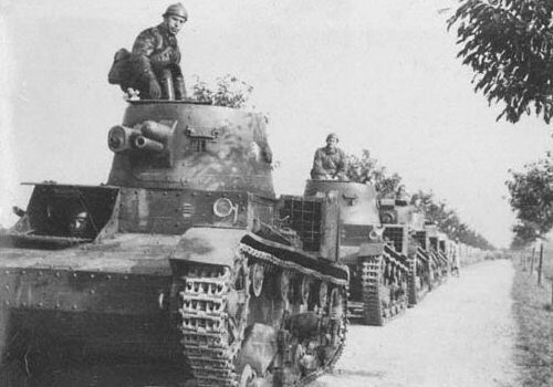 Vickers tanks platoon, 1938